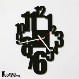 Klok wandklok getal getallen letters cijfers acrylaat plexiglas perspex zwart wit lasersnijder lasercutter stil uurwerk slepende wijzer Laserkracht